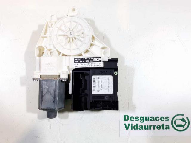 Audi A3 (8P1) Hatchback 3-drs 1.2 TFSI (CBZB) WINDOW MECHANISM RIGHT FRONT 2004 8P0959802A 8P0959802A/8P0959802A