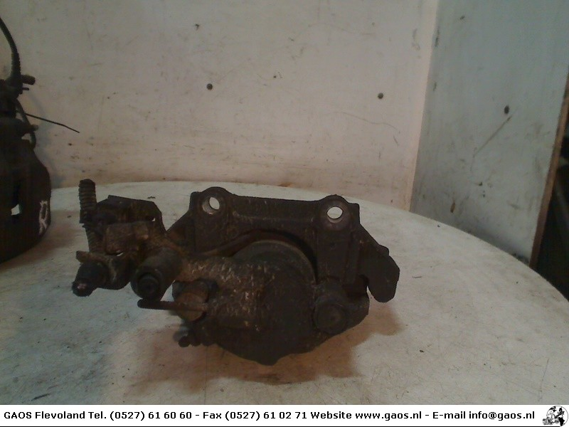 Audi A4 Avant (B5) Combi 2.4 30V (APS) BRAKE CALIPER LEFT FRONT 2000